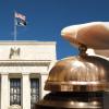 FRBパウエル議長が警鐘を鳴らす:未熟な投資家にとって仮想通貨はハイリスク
