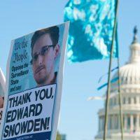 亡命中スノーデン「ビットコインを買いたい」 仮想通貨市場に楽観視