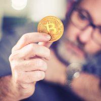 懐疑論から一転、米サブカルメディア創設者がビットコインとChainlink(LINK)購入へ